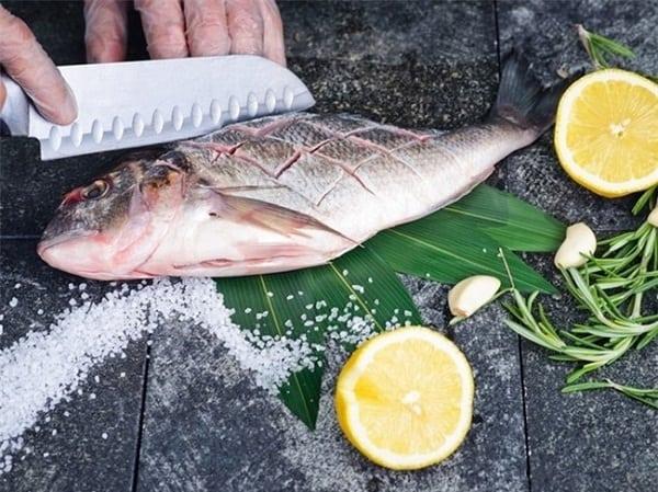 Khử mùi tanh thịt cá bằng các loại gia vị