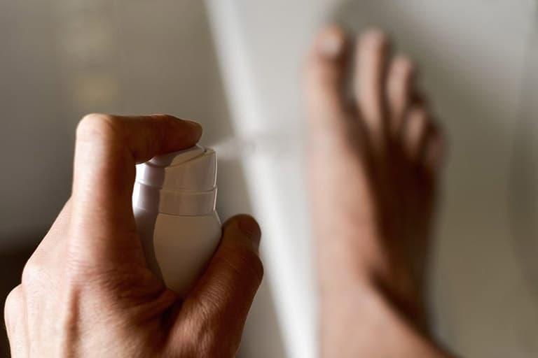 Thư giãn và an toàn với xịt khử mùi tay chân tự nhiên